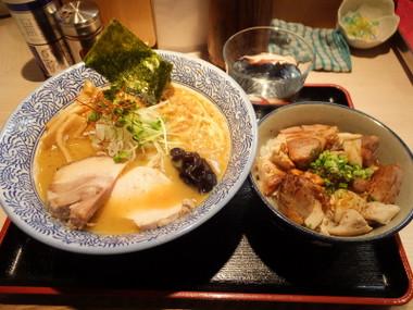 Tomokitsurumi02