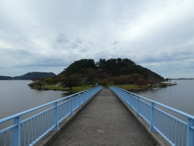 201101koyamaike03